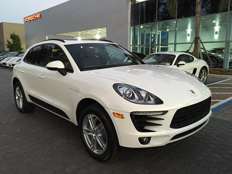 largest porsche dealership in the usa porsche macan forum. Black Bedroom Furniture Sets. Home Design Ideas