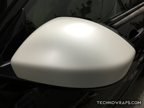 3M Satin Pearl White wrapped Range Rover mirror wrap