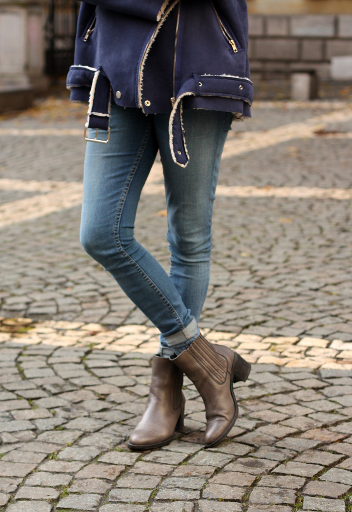 cheap monday skinnies, chelsea boots
