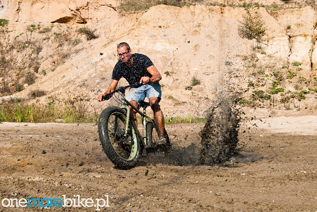 Surly Pugsley vs. gravel pit