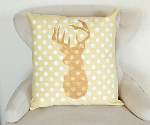011-joy-stenciled-pillows-dreamalittlebigger