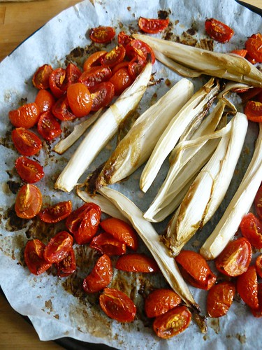 Endive and tomatoes