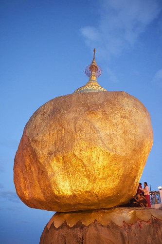 rock sunrise blessings gold golden pagoda nikon yangon burma prayer praying monk myanmar kyaiktiyo goldenrock kyaikto rangon