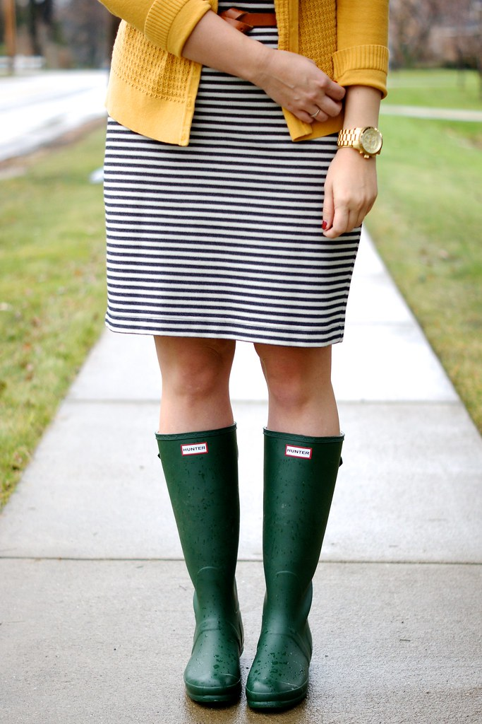 how to wear rain boots to work