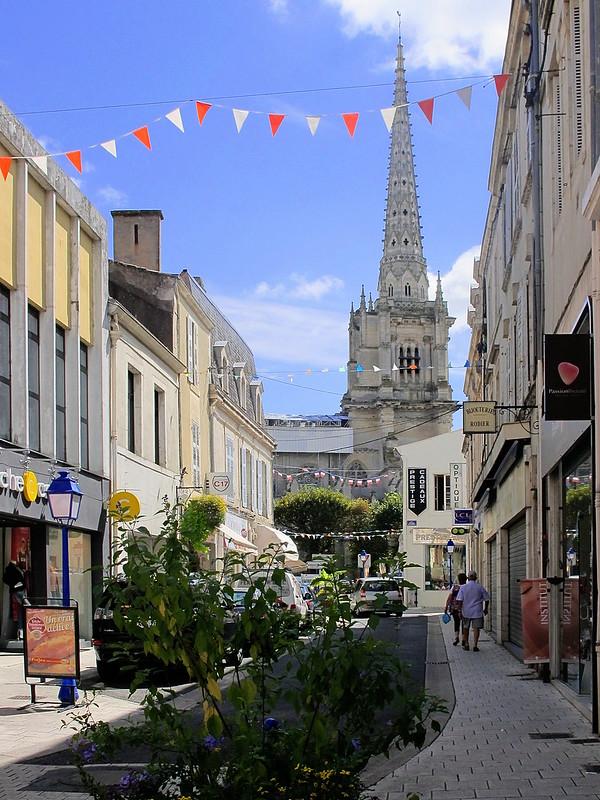 Luçon, Rue georges Clémenceau Photo Géocodée de jmdigne sur Flickr - Licence Creative Commons