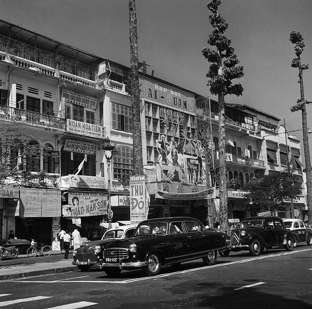 CHOLON 1961 - Rạp hát ĐẠI QUANG đường Tổng Đốc Phương (nay là Châu văn Liêm)