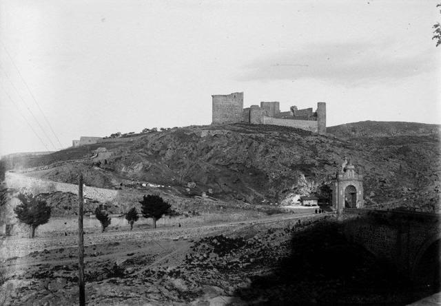 Castillo de San Servando y Puente de Alcántara en 1901. Fotografía de René Ancely © Marc Ancely, signatura ANCELY_1901_2917_2916