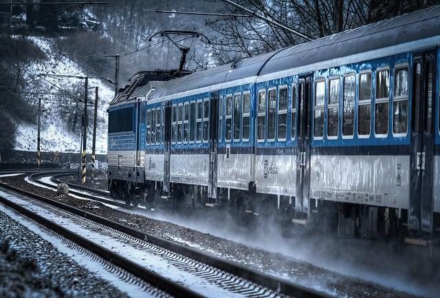 train to 2015