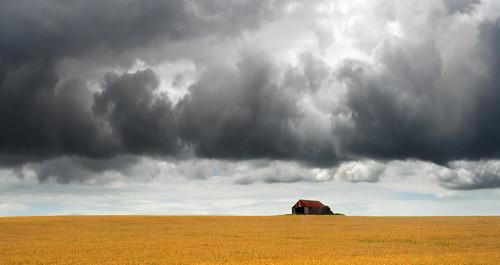 uk sky cloud storm field wales barn canon eos farm wheat cymru cardiff crop caerdydd 5d agriculture sthilary cowbridge wentloog stevegarrington