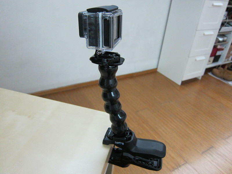 GoPro Jaws (Flex Clamp) - Adjustable Neck Mount With GoPro HERO4 Clip On Table