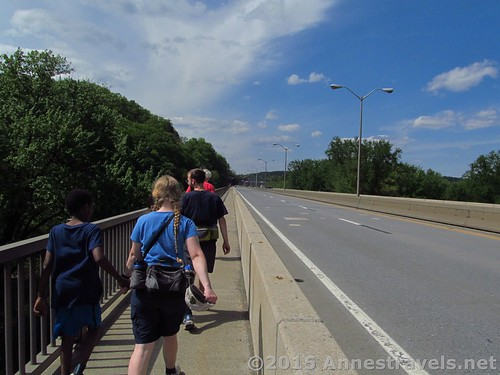 Heading back along the Appalachian Trail toward the Pennsylvania Bank of the Delaware River on the I-80 Bridge, Delaware Water Gap National Recreation Area, Pennsylvania