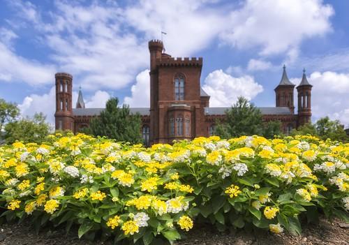 Smithsonian Castle & Garden