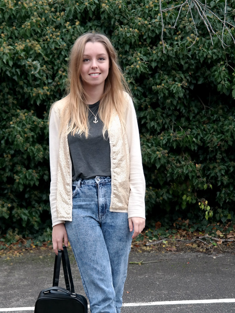 Sparkly cardigan fashion blogger