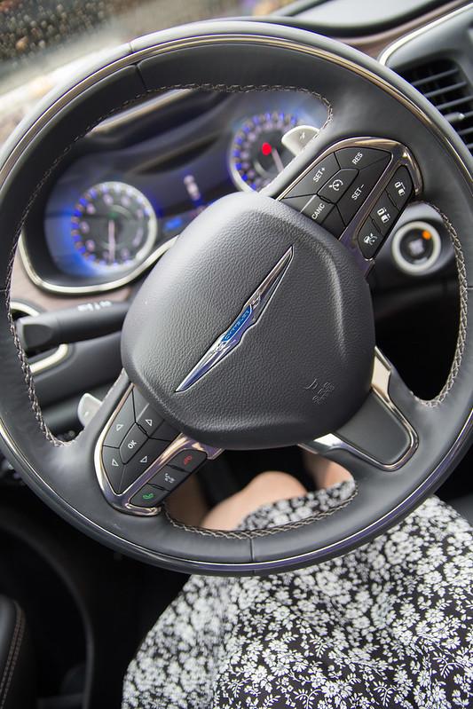 Chrysler 200-7.jpg