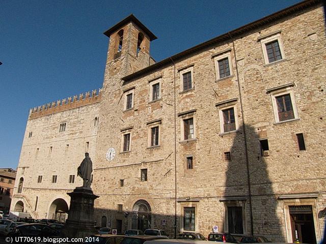 Todi - Piazza Garibaldi