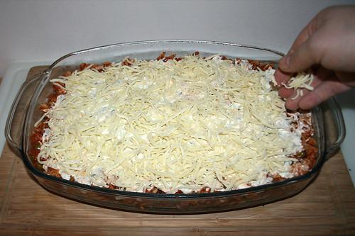 48 - Mit Käse bestreuen / Dredge with cheese