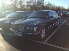 rolls-royce camargue(0.0), performance car(0.0), automobile(1.0), automotive exterior(1.0), vehicle(1.0), rolls-royce silver seraph(1.0), bumper(1.0), bentley arnage(1.0), sedan(1.0), land vehicle(1.0), luxury vehicle(1.0), bentley(1.0),