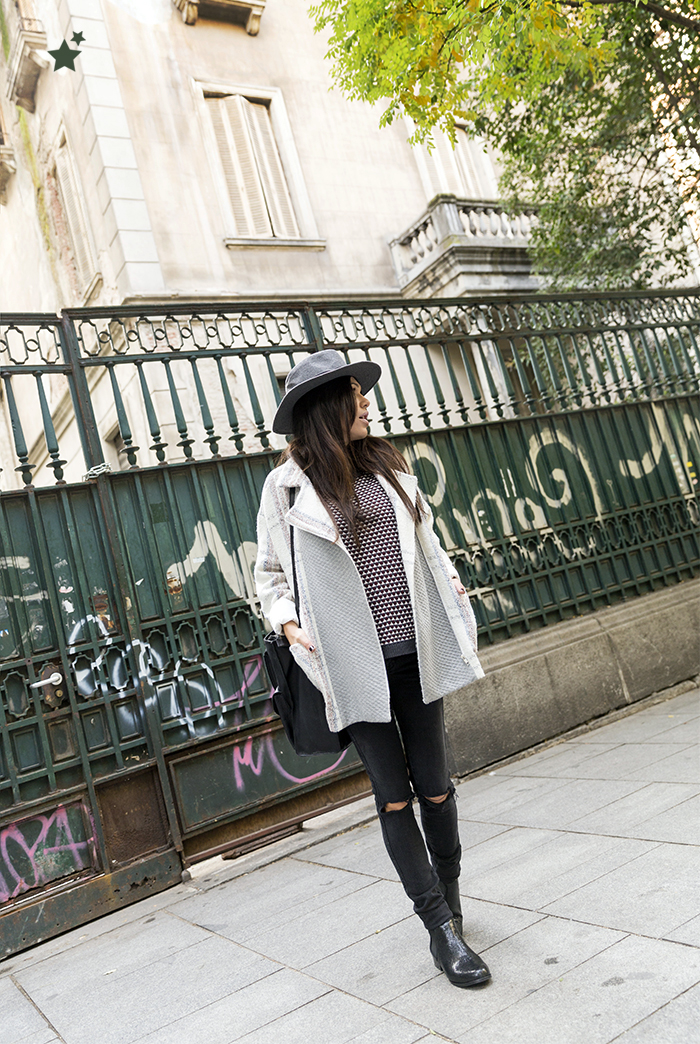 street style barbara crespo ripped jeans the corner coat fashion blogger outfit blog de moda