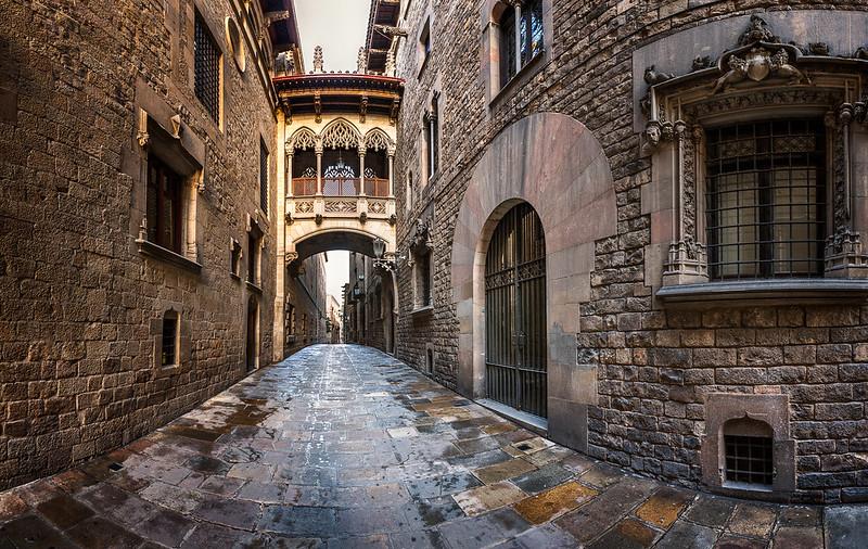 Barri Gothic Quarter and Bridge of Sighs in Barcelona, Catalonia, Spain