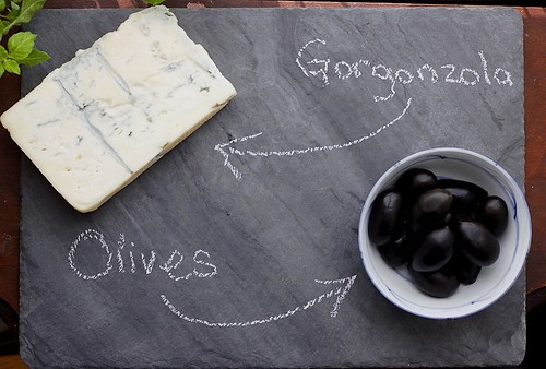 Gorgonzola and Olives
