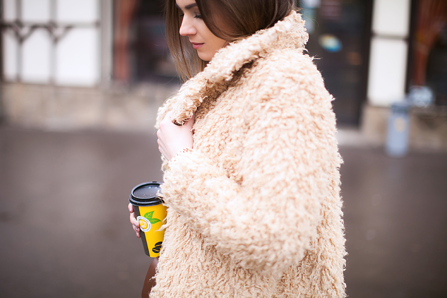 teddy-fluffy-coat-street-style