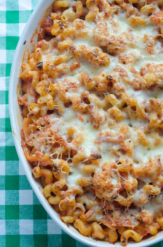 Baked Pasta with Cauliflower in a Spicy Pink Sauce