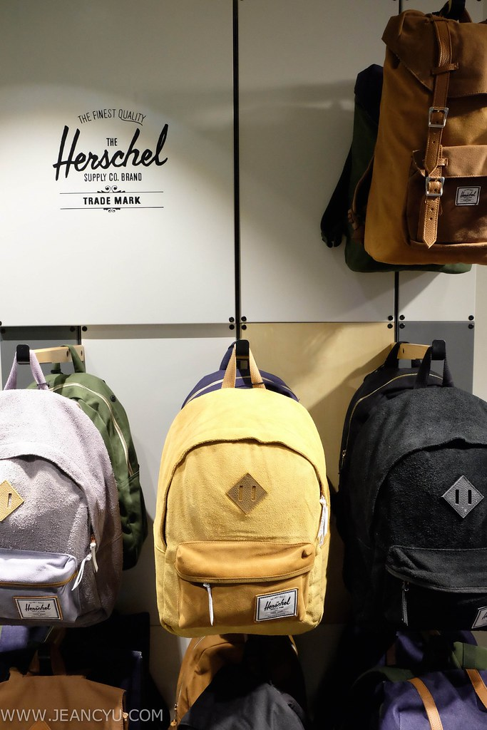 anything goes by jean yu, jean yu, life on a flavored runway, cebu blogger, fashion blog, food blog, lifestyle blog, cebu, asian blogger, philippines, herschel supply co., herschel cebu, herschel bags, herschel philippines, travel bag