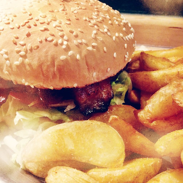 Burger in Berlin: Marienburger I Style By Charlotte - A Berlin Life & Style Blog