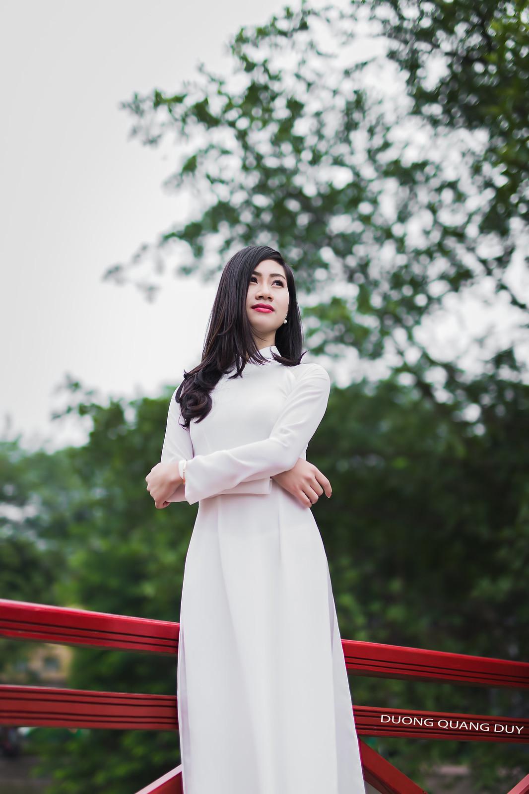 Áo dài trắng - Hà Nội chớm đông 6