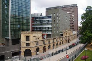 465 Oude gevel - nieuwe gebouwen