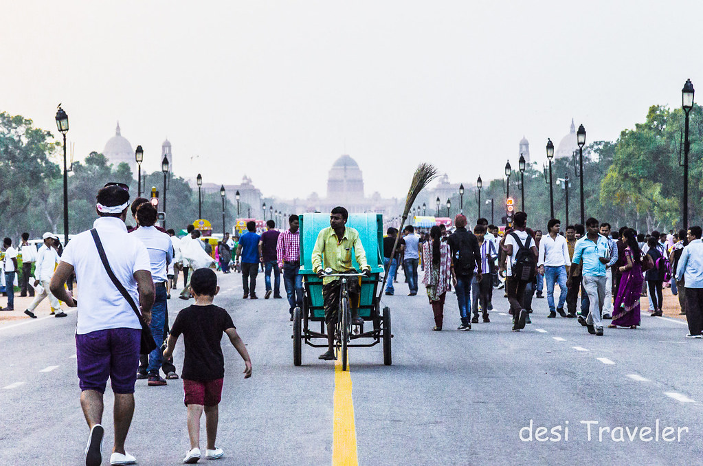 rickshaw on rajpath president's estate