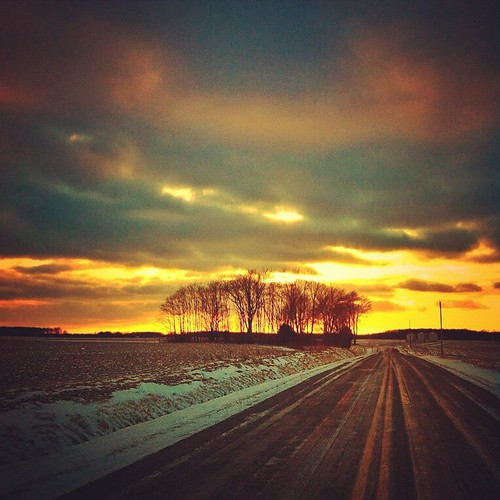 rise 2014 instagram sunset gold beauty app beautiful nature pretty handyphoto farm mobileography emotion jamiesmed snapseed iphoneedit tree iphone4 sun trees snow geotagged geotag iphoneography square facebook weather iphonephoto landscape rural ohio midwest phoneography iphoneonly sky photography clouds january winter clintoncounty mobilography