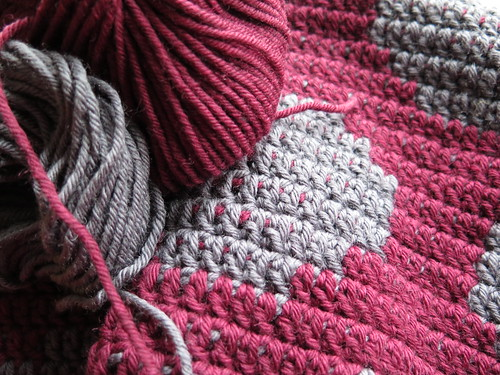 Crocheting with two colours
