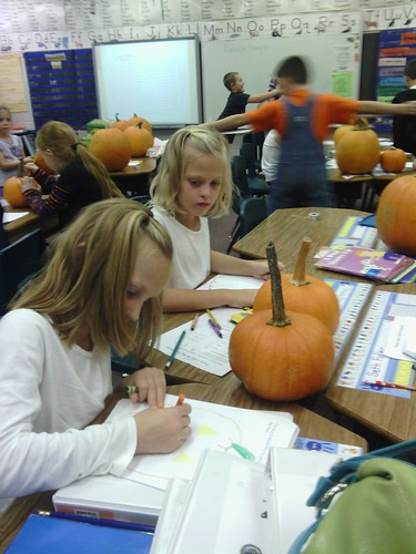 Oct 31 2014 2nd grade pumpkin party (4)
