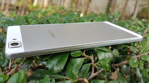 Oppo R5 ด้านขวา