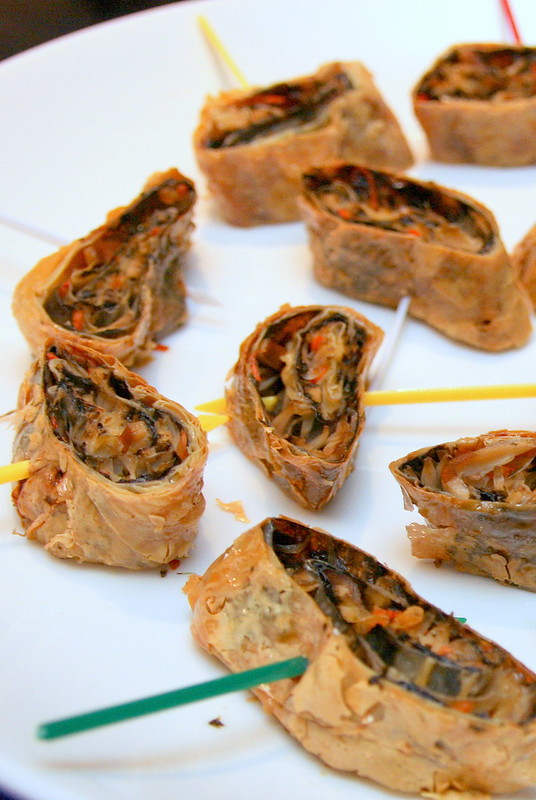 Pan-fried Seaweed and Vegetable Medley Wrapped in Beancurd Skin