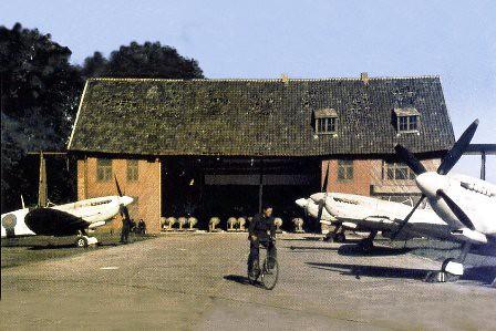 Varios Spitfires del Escuadrón 16 en la base de Melsbroek