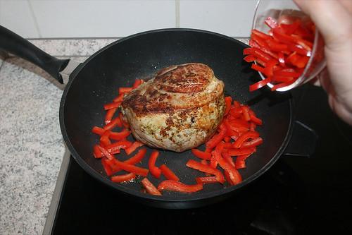26 - Paprika hinzufügen / Add bell pepper