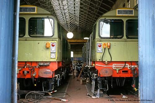 train diesel railway britishrail doncaster southyorkshire brel railfreight class58 58004 58005