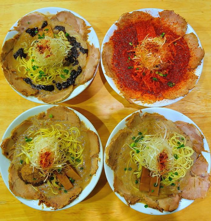 一乘寺站 麵屋 極雞:京都的拉麵王者 雞白湯拉麵。順遊景點:惠文社書店一乗寺店 | 林氏璧和美狐團三狐的小天地