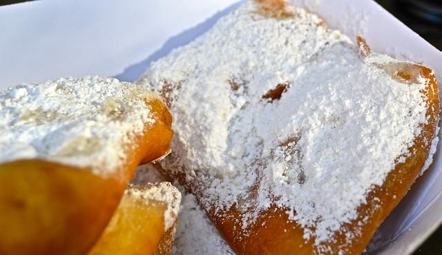 Beignets new orleans - cafe beignet