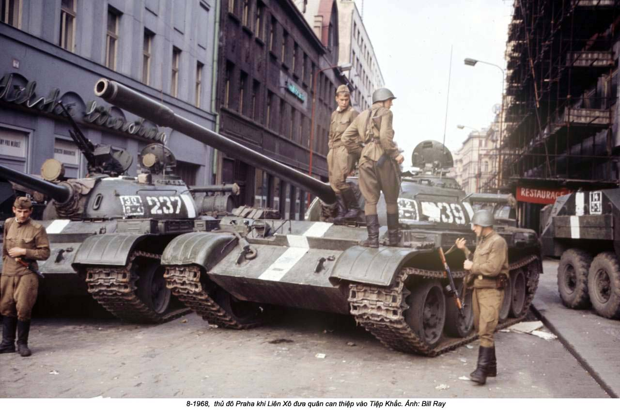 8-1968 - Soviet Invasion of Czechoslovakia (40)