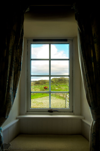 Creative commons image of window by Gary McNair on flickr