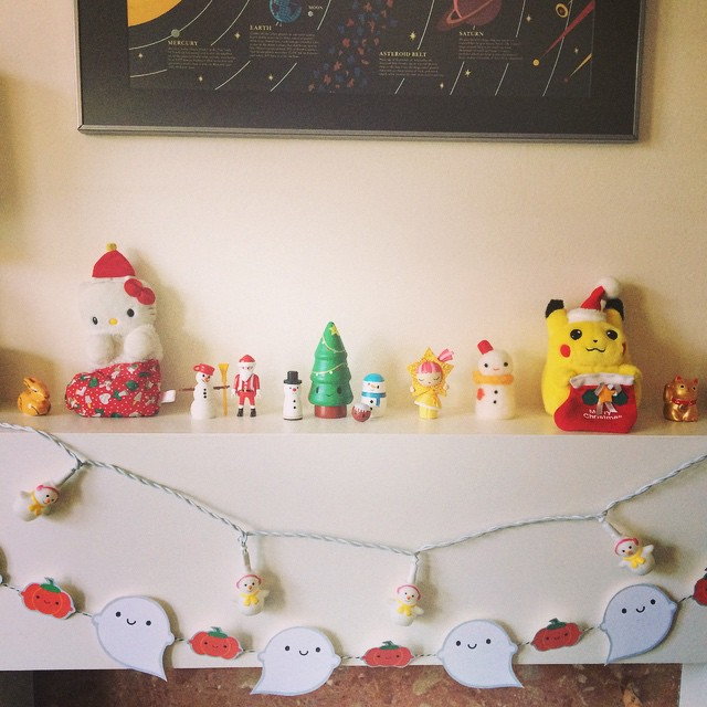 Having to put up my Christmas decorations in 15 minute bursts between more important tasks. Mantelpiece finally looking festively cute!