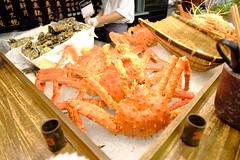 spiny lobster(0.0), shrimp(0.0), seafood boil(0.0), fried prawn(0.0), fish(0.0), dungeness crab(0.0), cuisine(0.0), asian food(0.0), crab(1.0), crustacean(1.0), seafood(1.0), invertebrate(1.0), king crab(1.0), food(1.0), dish(1.0),