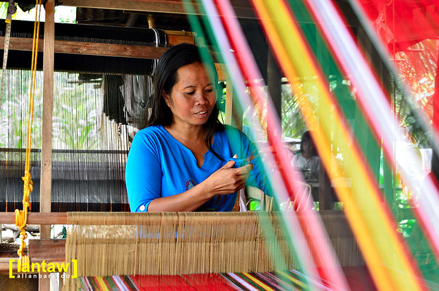 Malong Weaver