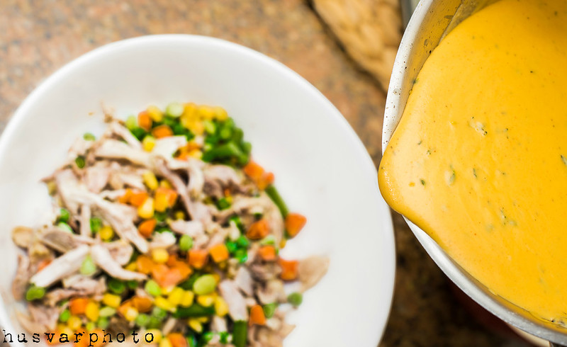 homemade cheddar cheese sauce in_the_know_mom