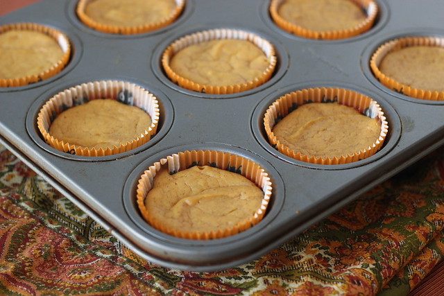 Easy Mini Pumpkin Cheesecakes with Gingersnap Crust - 2