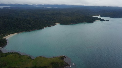 Lee Bay to Māori Beach from the air