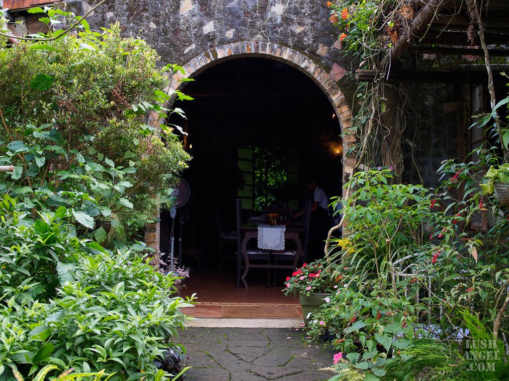 tagaytay-garden-restaurant